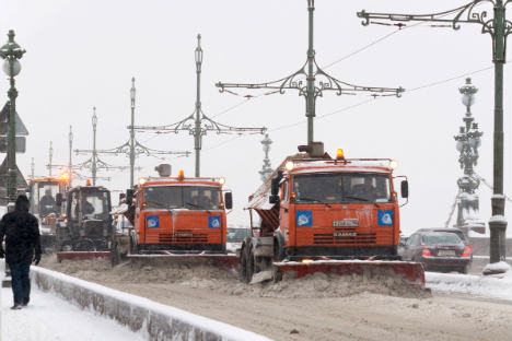 Winterlicher Alltag in Moskau: Eine Schneepflug-Armada räumt die Straßen der Hauptstadt.Foto: Photoxpress