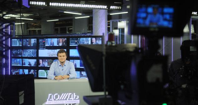 Der Fernsehsender Doschd (Regen) bietet Livesendungen rund um die Uhr. Foto: Grigori Sisoev/RIA Novosti