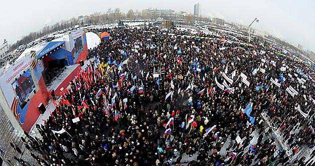 """Die Aktion der Putin-Anhänger unter dem Motto """"Wir haben etwas zu verlieren."""" auf dem Poklonnaja-Berg in Moskau am 4. Februar. Foto: RIA Novosti"""