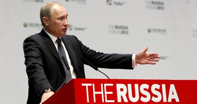 Ministerpräsident Wladimir Putin beim Auftritt auf dem Forum Russia 2012 in Moskau. Foto: Reuters