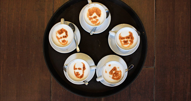 Cafe chain Kofein launched a symbolic presidential election on Feb. 1, 2012. Customers were asked to order a cup of coffee displaying a reproduction of their favourite presidential candidate, realised with cinnamon powder on milk foam. The results of
