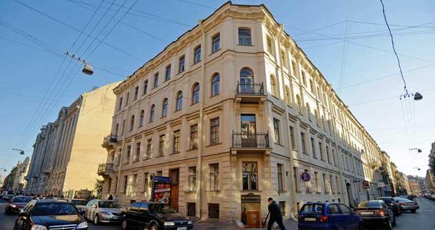サンクトペテルブルグ市のクズネーチヌイ横町にあるドストエフスキー博物館=タス通信/ルスラン・シャムコフ撮影