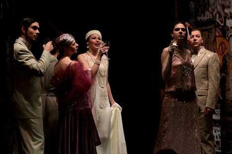 モスクワ新ドラマ劇場が三島由紀夫の『道成寺』と『卒塔婆小町』にもとづき、芝居『道成寺』を上演した。