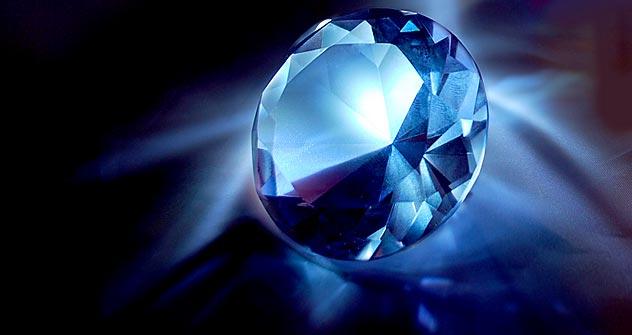 有色ダイヤは希少で、百万個の透明ダイヤに対し一個しか見つからないので1カラット30万ドル以上の値打ちがある。=Legion Media撮影a