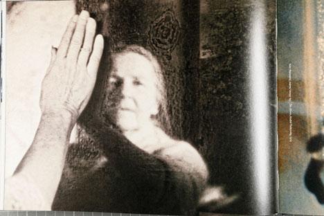 """Fragmento del libro"""" The image to come"""" (Steidl, 2007) en el que se combinan imágenes de Georgui Pinkhassov y de películas de Andréi Tarkovski. Fotografía de Ferran Mateo."""