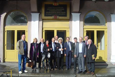 Organizadores del encuentro bilateral