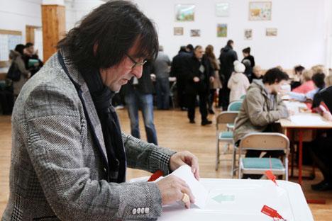 Yuri Bashmet, violinista y director de orquesta votando el pasado día 4 de marzo. Foto de RIA Novosti.
