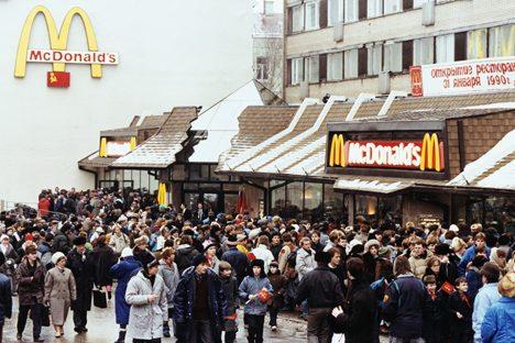L'inaugurazione del primo McDonald's a Mosca. Foto: Reuters/Vostock photo