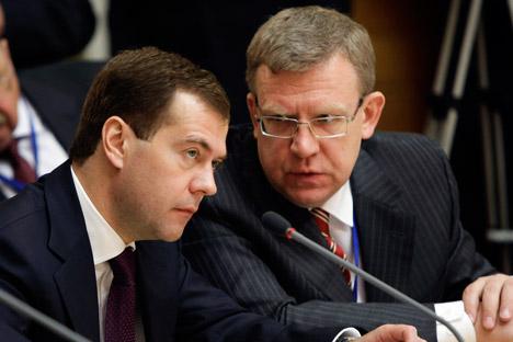 Il Presidente russo Dmitri Medvedev (a sinistra) e l'ex ministro delle Finanze Alexei Kudrin (a destra) (Foto: ITAR-TASS)
