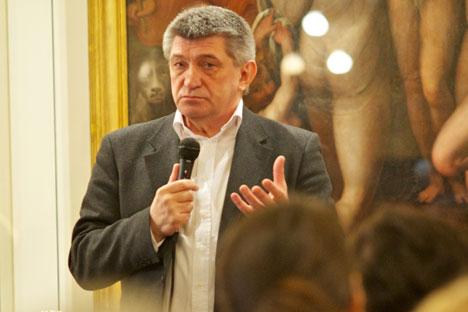 Il regista Aleksandr Sokurov ospite al Caffè Letterario in Ambasciata d'Italia a Mosca (Foto: Ufficio Stampa)
