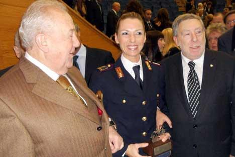 A sinistra, Zurab Tsereteli con Valentina Vezzali (Fonte: Ufficio Stampa)