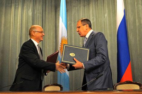 Héctor Timerman y Serguéi Lavrov. Foto cortesía de Prensa Cancillería