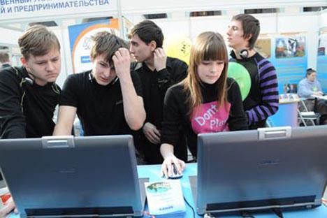 Con i tassi d'interesse reali positivi i russi possono tornare a depositarei loro soldi in banca. Foto di Photoxpress