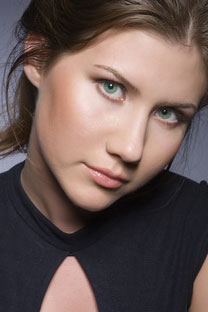 Anna ChapmanSource: www.alenapopova.ru