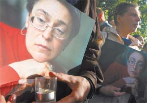 Murdered journalist Anna Politkovskaya is mourned by the public