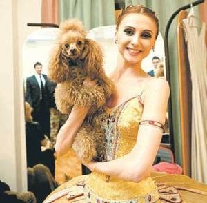 If there is one thing that Russia and Ukraine can celebrate together, it is the singular beauty of Svetlana Zakharova, the star of the Bolshoi Ballet