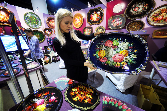 Decorated trays on display at the exhibition of national crafts' Ladya 2012 at the Expocenter. RIA Novosti / Alexander Utkin