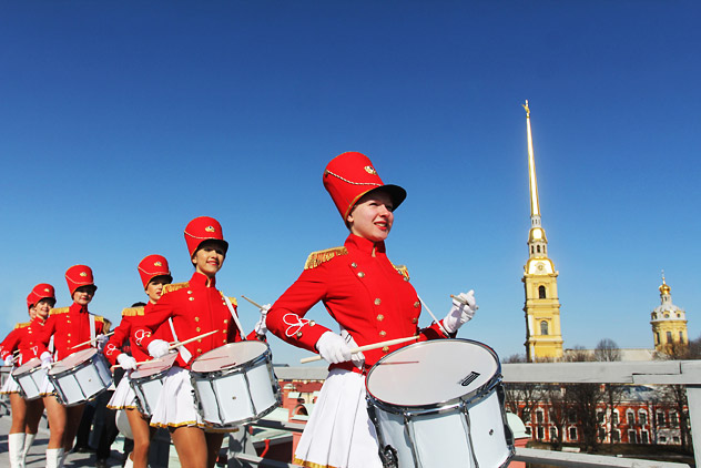 A group of marching drummers during the celebrations for the anniversary of Nikolai Vasilevich Gogol's birth in St. Petersburg, which included the firing of a cannon-shot at noon from the Peter and Paul Fortress. Source: PhotoXPress