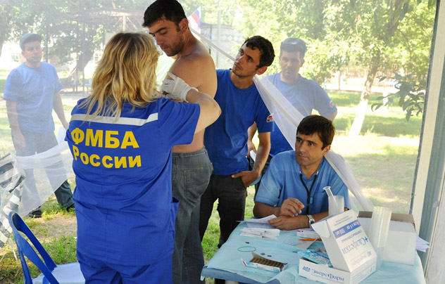 Russia's Federal Medical-Biological Agency vaccinating victims of the flood in Krasnodar Territory against infectious deceases. Source: ITAR-TASS