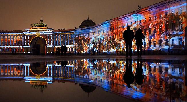 Sankt Peterburg menawarkan koleksi museum terbanyak di Rusia yang sekaligus merupakan penampungan warisan budaya negara yang paling berharga.