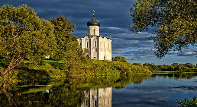Cerkev priprošnje Device Marije na reki Nerl, Vladimirska pokrajina, Rusija. Vir: Lori/Legion-Media
