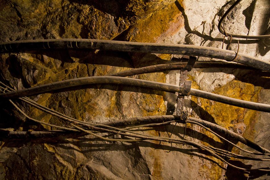 L'oro nella miniera Berezovsky in origine si era estratto alla profondità da 6.5 a 50 metri. Gli archivi minucipali locali hanno registrato oltre 1,000 così piccole miniere