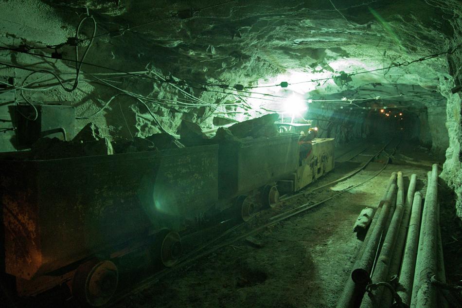 I materiali rotabili passano tramite il tunel verso gli impianti tecnologoci