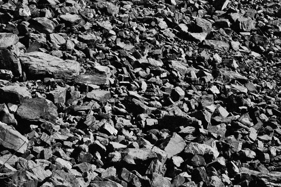 I giacimenti di minerali ferrosi di questa zona vennero scoperti nel 1702 da Fedor Rossov vicino al Monte Volchikha