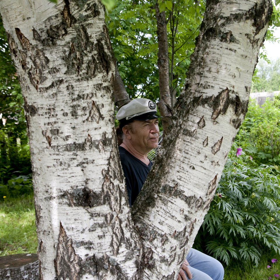 "Boris Klotchkov (65), monumentalist artist. Here since 1980. ""The main monument, planted 20 years ago, is the birch trees around the house."""
