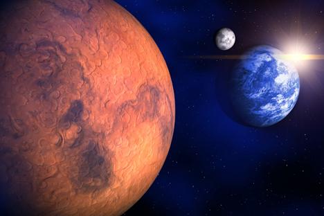 Марс и Земјата.