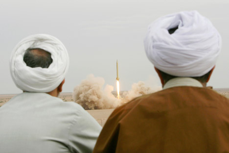 Até agora, o Irã está tentando construir seus próprios veículos de lançamento sobre a base de mísseis balísticos Shahab Foto: AP