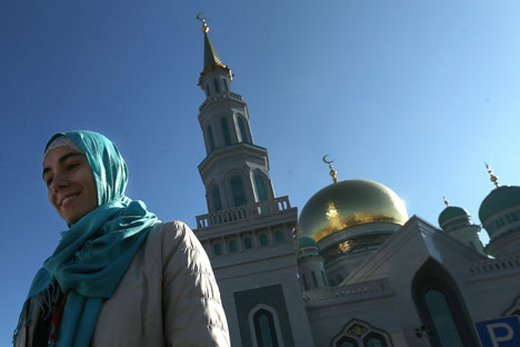 Rusia memerlukan dunia Islam, terutama untuk mendukung bidang politik dan kerja sama ekonomi. Sementara, dunia Islam pun dapat memanfaatkan kekuatan Rusia, yang memiliki keunggulan di bidang teknologi dan ekonomi.