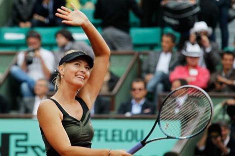 Sharapova teve que se adaptar à terra batida para conquistar o troféu Foto: NL Media