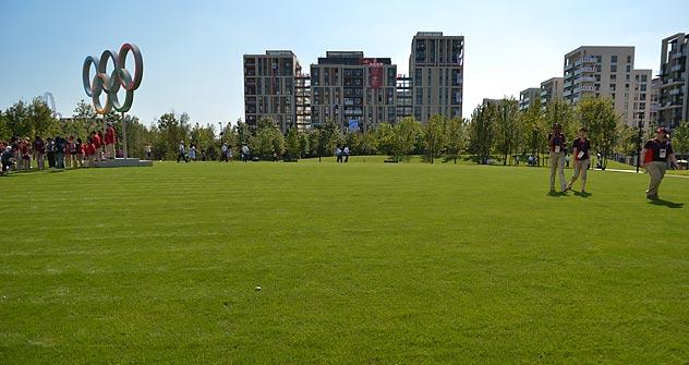 O Parque Sôtchi foi construído no gramado do Albert Memorial, no lado oposto ao Royal Albert Hall. Foto: Aleksandr Vilf / RIA Nóvosti