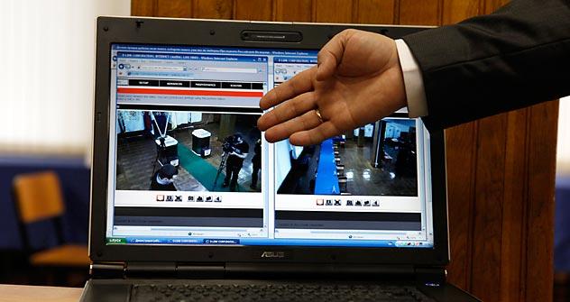 Tribunal Superior Eleitoral estuda instalação de webcams nas seções eleitorais. Foto: Reuters/Vostock-Photo