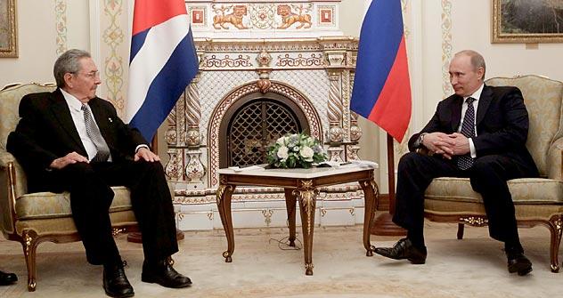 Em rápida passagem pela capital russa, líder cubano demonstrou empatia e desejo de fortalecer relações. Foto: Serguêi Prasolov / RG