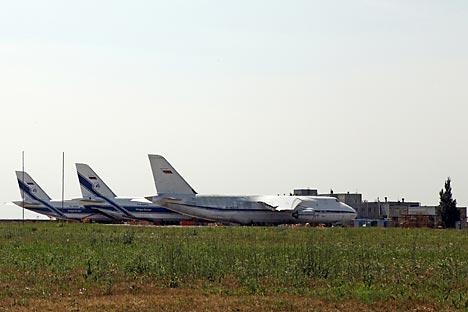 """Ponto de trânsito para Otan foi aberto no aeroporto de carga civil  """"Ulyanovsk-Leste"""". Foto:"""