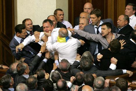 Decisão causou tumulto no parlamento ucraniano Foto: Kommersant