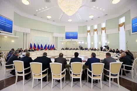 Reunião do Conselho das Relações em Saransk, capital da Mordóvia, na sexta-feira passada (24). Foto: kremlin.ru