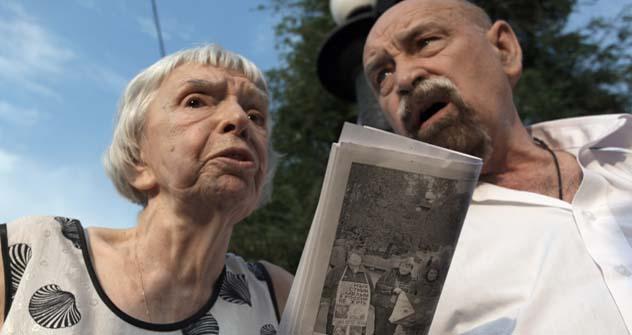 Aleksandr Cherkássov (à dir.) e Liudmila Alekséeva (à esq.). Foto: Kommersant
