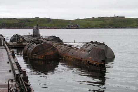 O K-159 afundou em 2003 no mar de Barents, quando o rebocavam para reciclagem. Foto: wikimedia.org