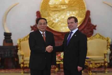 Dmítri Medvedev durante seu visita a Laos. Foto: Reuters
