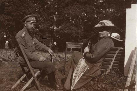 Imperador Nicolau II e a Imperatriz Aleksandra Fedorovna em Tsárskoie Selo, 1917. Foto: Arquivo estatal da Federação Russa