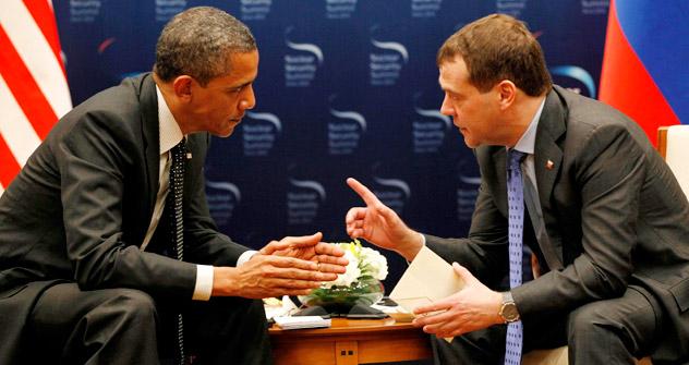 Reunião entre os presidentes dos EUA, Barack Obama, e da Rússia, Dmítri Medvedev Foto: AP