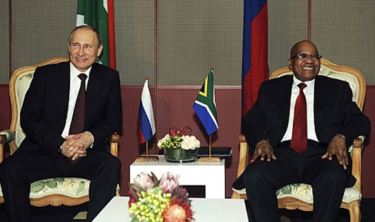 Presidentes da Rússia, Vladímir Pútin (esq.), e da África do Sul, Jacob Zuma, realizaram encontro bilateral antes da cúpula do Brics na semana passada