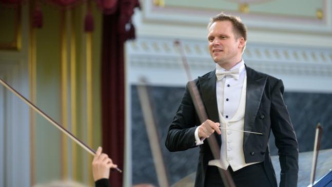 Maestro brasileiro Tobias Volkman, que participou do 18º Festival Olimpo Musical, falou sobre sua passagem pela Rússia e as qualidades de um bom profissional Foto: divulgação