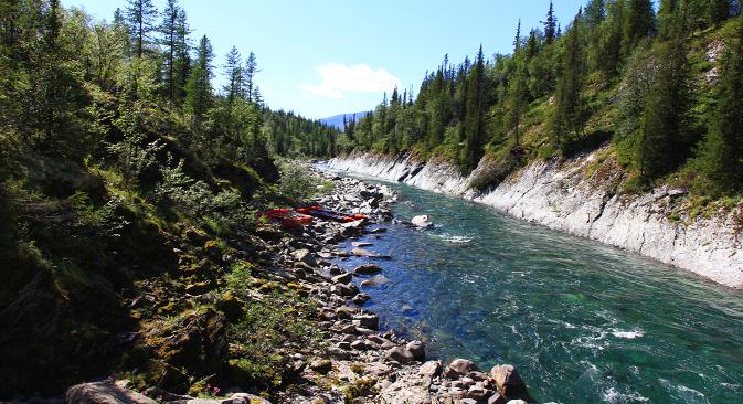 Rafting é prática comum pelos rios de montanhas dos Urais Foto: Andrêi Kipiatkóv