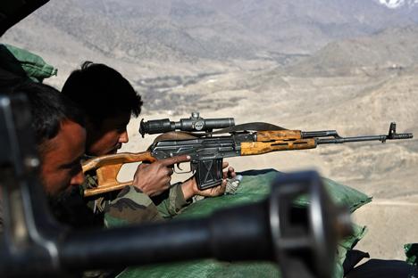 O fuzil Dragunov tem um histórico de boa confiabilidade nos conflitos no Afeganistão, Tchetchênia e outras regiões de conflito Foto: AFP / EastNews