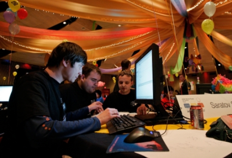 O Campeonato Mundial de Programação se realiza entre equipes de estudantes desde 1977, sob a égide da Associação para Maquinária da Computação ACM Foto: AP
