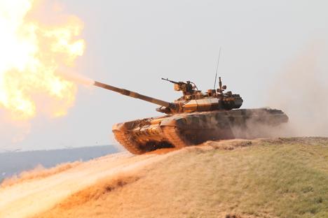 """""""O valor do tanque está em seu poder de fogo, capacidade de manobra e robustez"""", Vladímir Pútin Foto: RIA Nóvosti"""